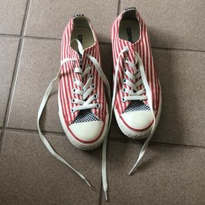 4th of July converse! super cute! great condition!